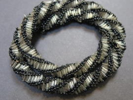Russian-Spiral_0005_Black and White Necklace
