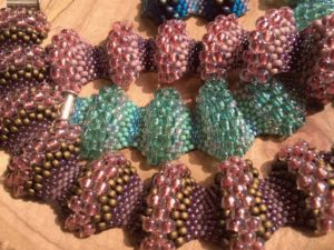 Peyote-bracelets-with-different-size-beads